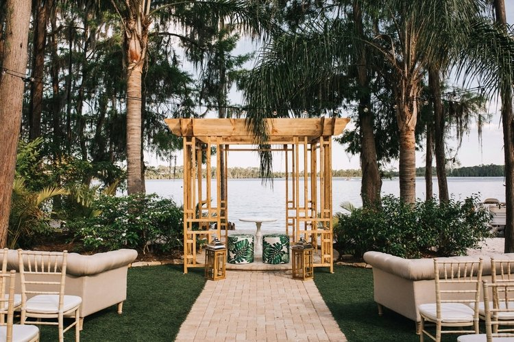 Paradise Cove is one of the best wedding venues in Orlando