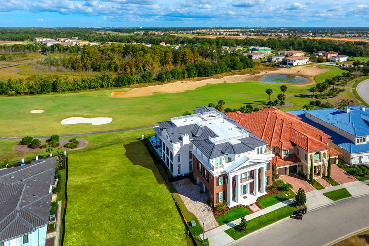 Reunion Resort 11000 sets the stage for one of the best scenic golf villas in Orlando, with unrivalled views across the fairways!