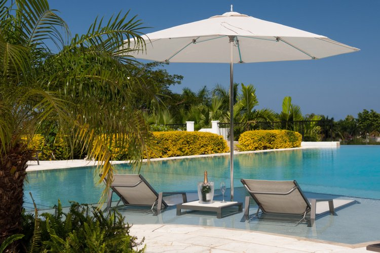 Unwind in this beautiful Jamaican villa with full entourage of staff