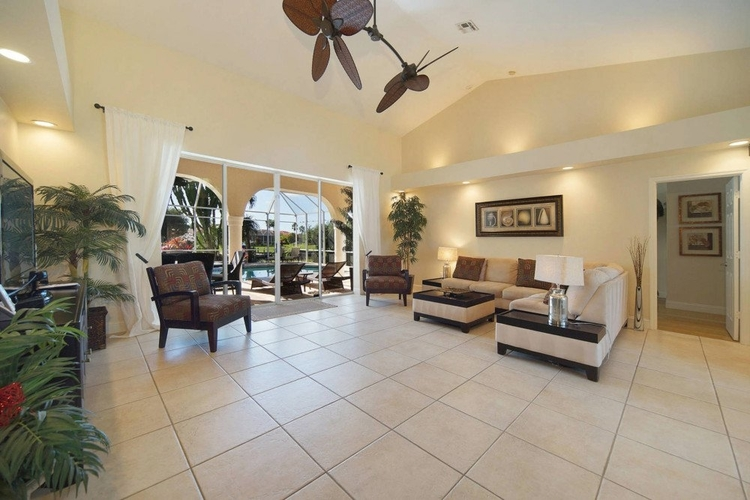 The large living area in this vacation rental is suitable for pets