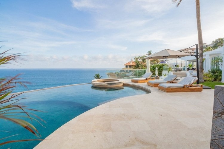Luxury accommodation in Cabo San Lucas, Mexico
