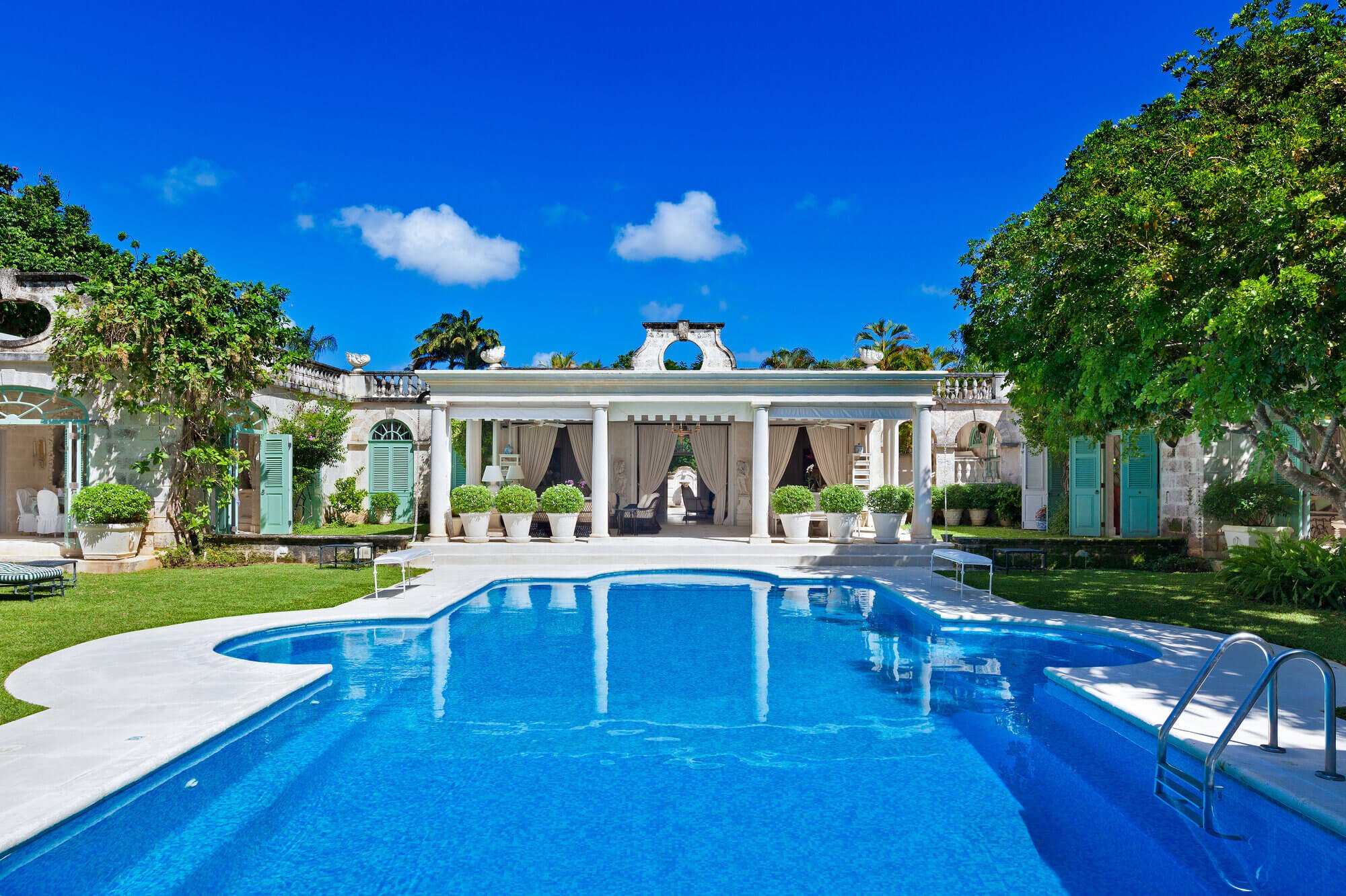 Our staffed Caribbean villas promise 5-star luxury
