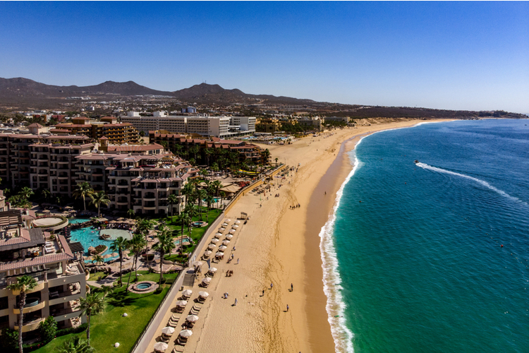 If you're looking for fun things to do in Cabo San Lucas, head to Medano Beach