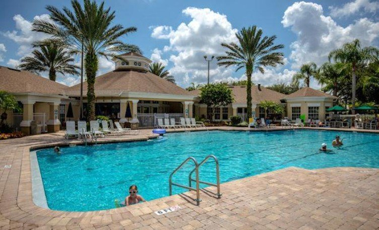 Windsor Palms is a well-equipped resort close to the theme parks