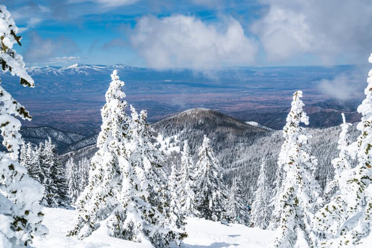 The Taos Ski valley in New Mexico offers a reunion base like no other!