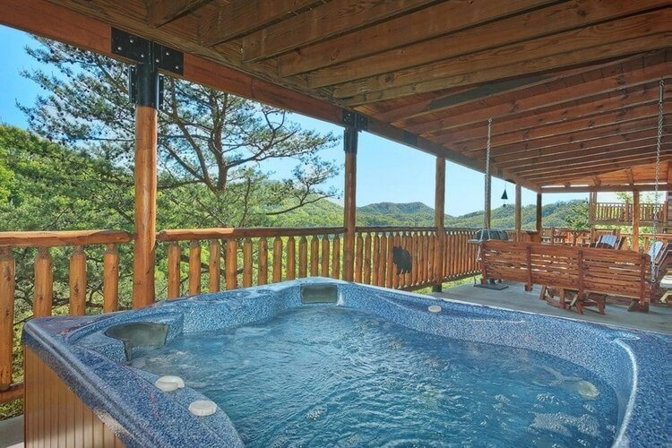 A Great Smoky Mountains home sets the scene for a memorable family reunion in the Great Outdoors!