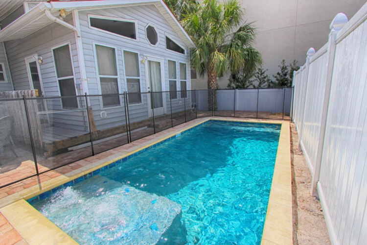 Reach the beach with ease or make a splash in the pool, from this stylish 3-bed in North Clearwater.