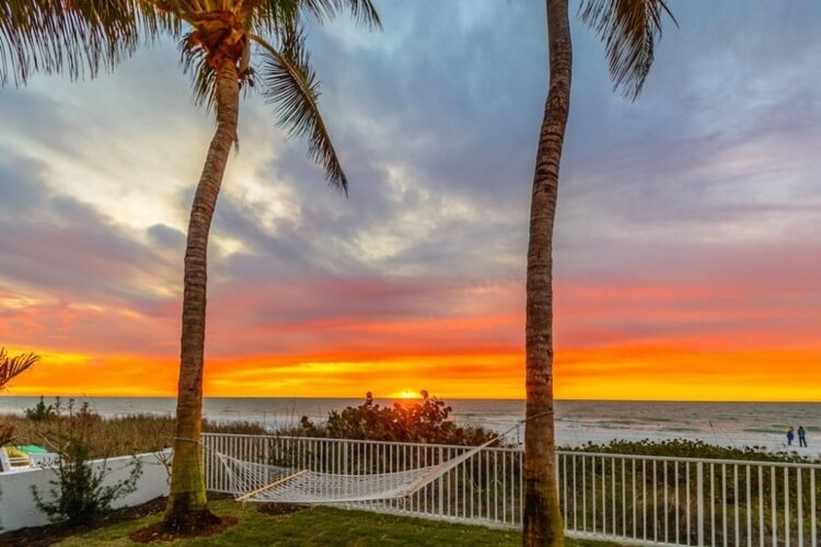 Now the best Clearwater Florida rentals boast breathtaking gulf views. Take this amazing 4-bedroom home for example!