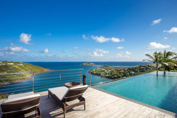 St Barts is known as being expensive, but that doesn't mean you can find ways to enjoy a cheap Caribbean vacation here.