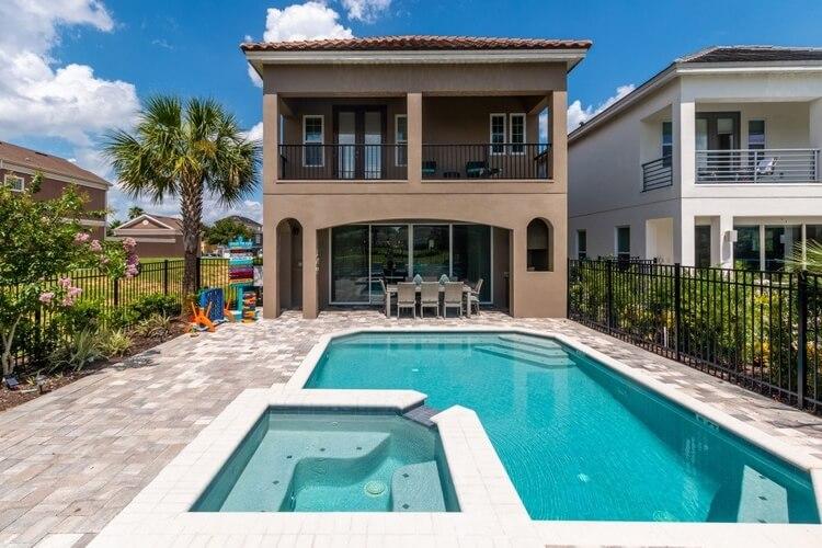 Villa in Orlando with a private pool