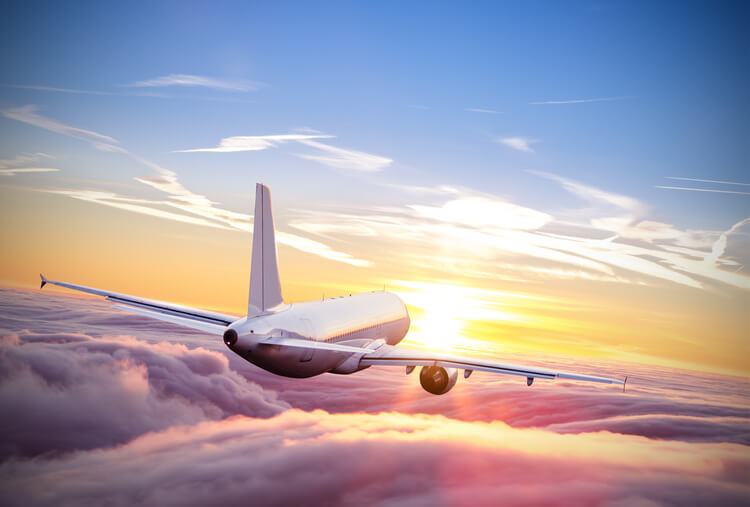 US lifts Covid travel ban on UK